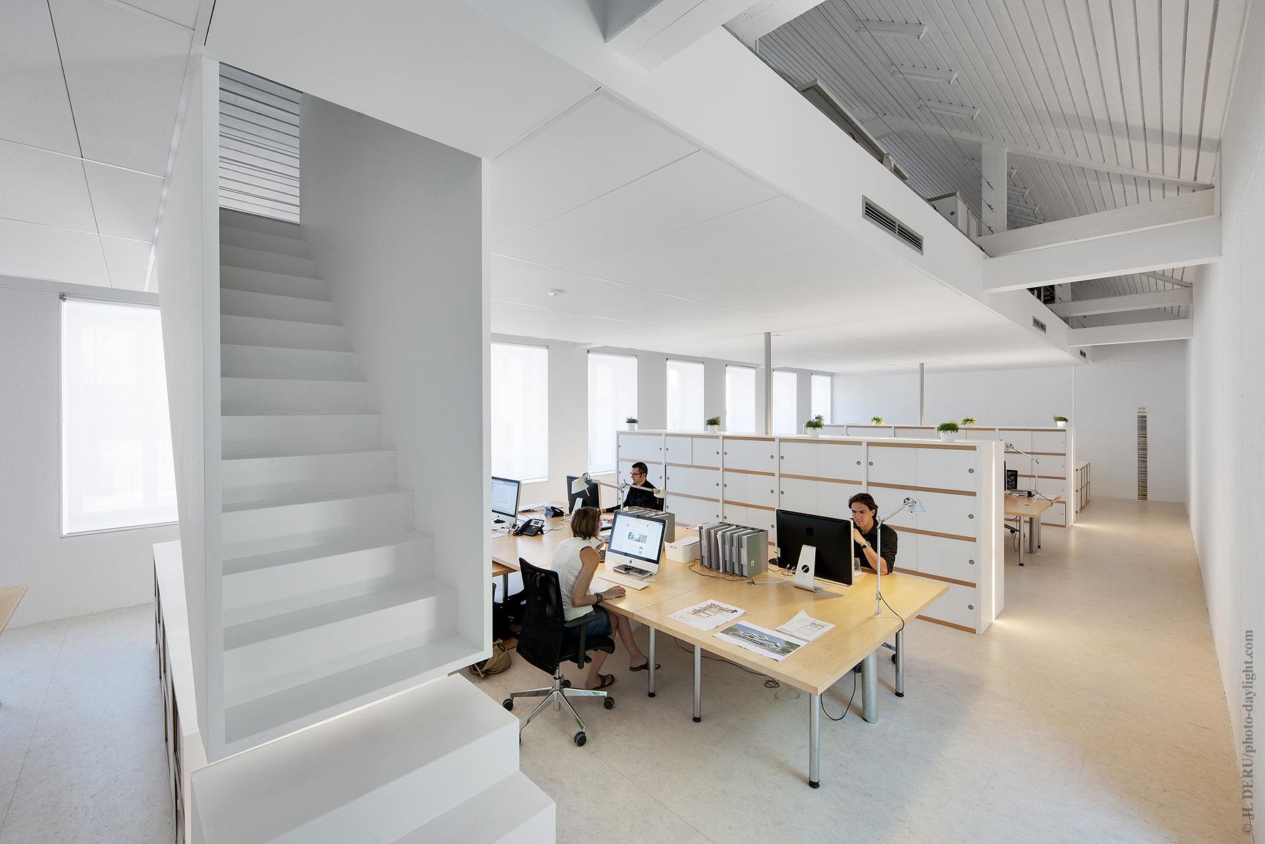 Artau Bureau by Artau Architecture Belgium BING BANG POUF